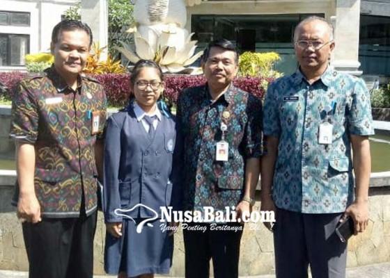 Nusabali.com - siswi-smpn-3-rendang-ikut-lomba-matematika-nasional
