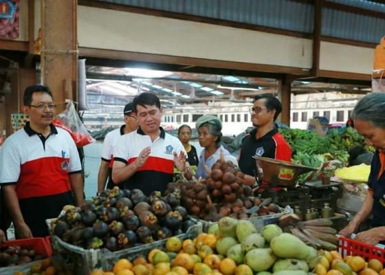 Nusabali.com - pasar-galiran-mulai-berlakukan-e-retribusi