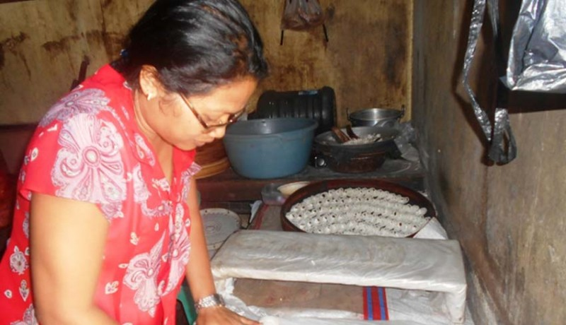 www.nusabali.com-pembuat-kue-tradisional-dan-pedagang-es-atur-siasat