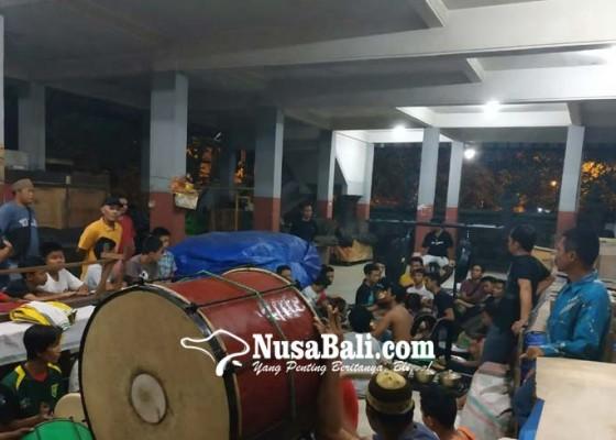 Nusabali.com - pengarakan-diiringi-kolaborasi-tabuh-baleganjur-dan-musik-hadrah