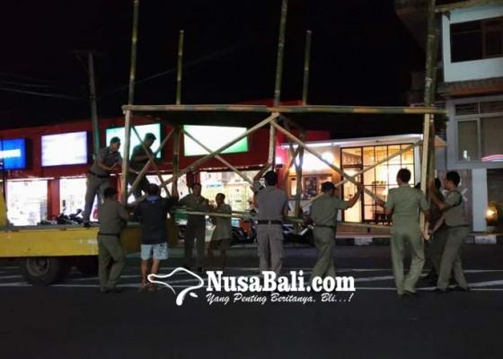 Nusabali.com - pertama-kali-digelar-dua-tawur-kasanga-di-kota-gianyar