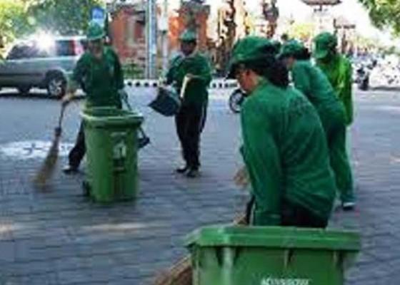 Nusabali.com - atasi-sampah-nyepi-dlh-siapkan-ratusan-petugas-dan-puluhan-armada
