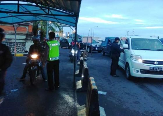 Nusabali.com - ngembak-gni-ribuan-penumpang-masuk-bali