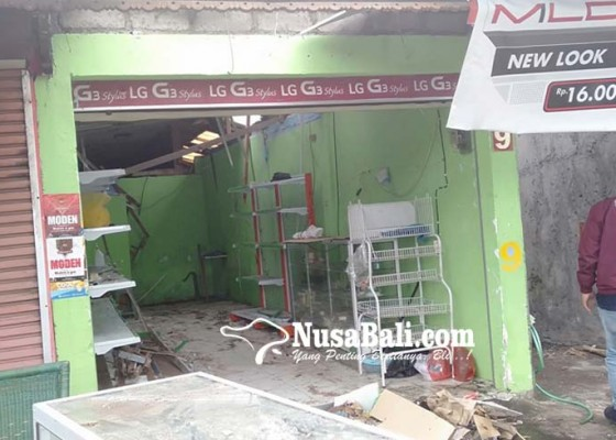 Nusabali.com - tabung-gas-meledak-pasutri-luka-bakar