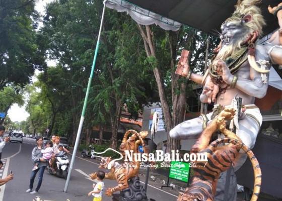 Nusabali.com - dlhk-kewalahan-tangani-bekas-ogoh-ogoh