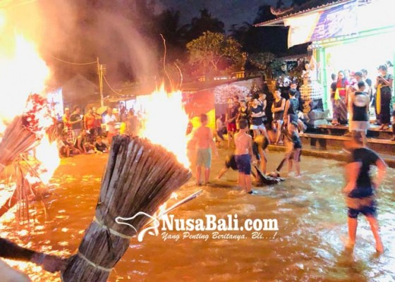 Nusabali.com - tanpa-ogoh-ogoh-krama-lanang-lakoni-ritual-mabayang-bayang