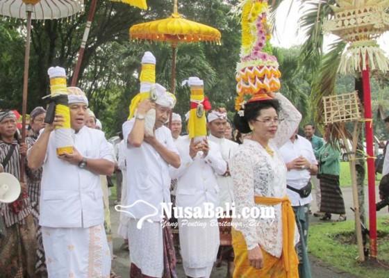 Nusabali.com - ribuan-umat-hindu-tawur-kesanga-di-candi-prambanan