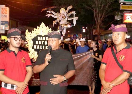 Nusabali.com - parwata-buka-pawai-ogoh-ogoh-di-perumahan-dalung-permai