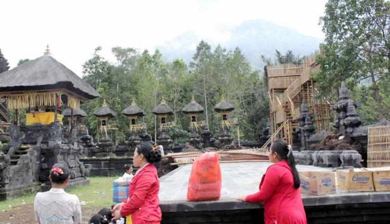 www.nusabali.com-gunung-agung-erupsi-tanpa-lontaran-material