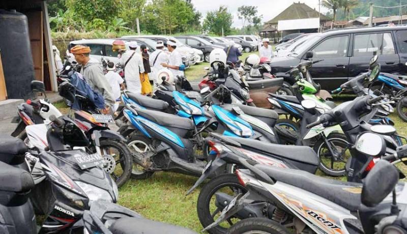 www.nusabali.com-panitia-siapkan-25-kantong-parkir