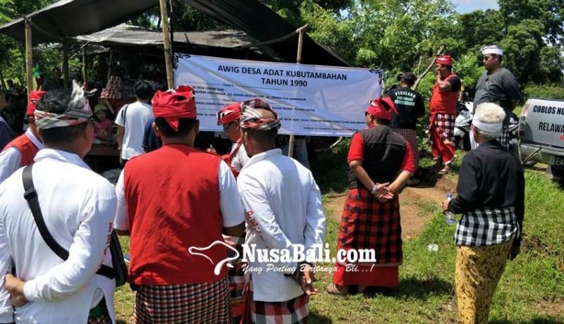 www.nusabali.com-spanduk-langsung-dicopot-pemasang-digiring-ke-wantilan