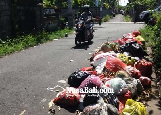 Nusabali.com - sampah-di-kamasan-numpuk-berhari-hari