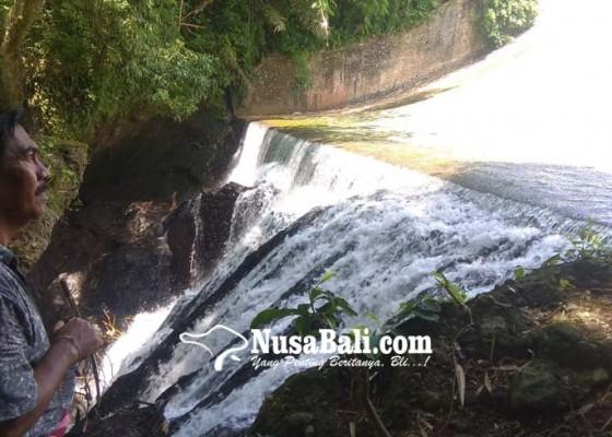 Nusabali.com - desa-pakraman-bandung-kembangkan-objek-air-terjun