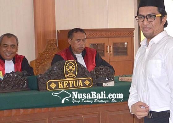 Nusabali.com - dituntut-ringan-tetap-minta-bebas