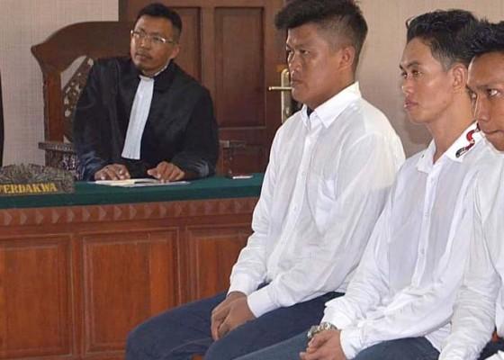 Nusabali.com - trio-penyelundup-shabu-divonis-10-dan-9-tahun