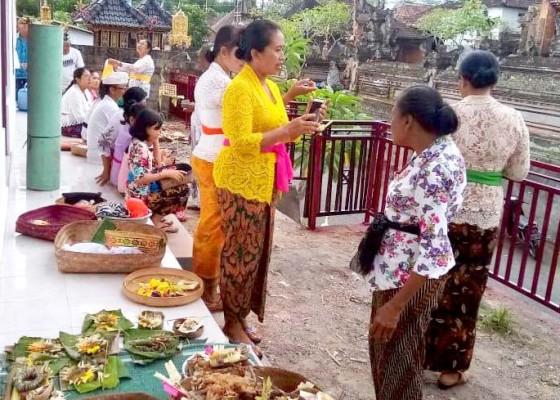 Nusabali.com - desa-bunutin-renovasi-mes-guru-untuk-paud