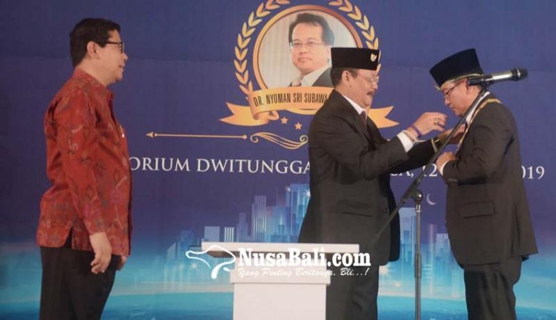 www.nusabali.com-dr-sri-subawa-gantikan-sang-kakak-menjadi-rektor-undiknas