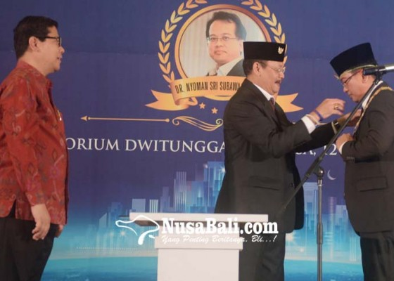 Nusabali.com - dr-sri-subawa-gantikan-sang-kakak-menjadi-rektor-undiknas