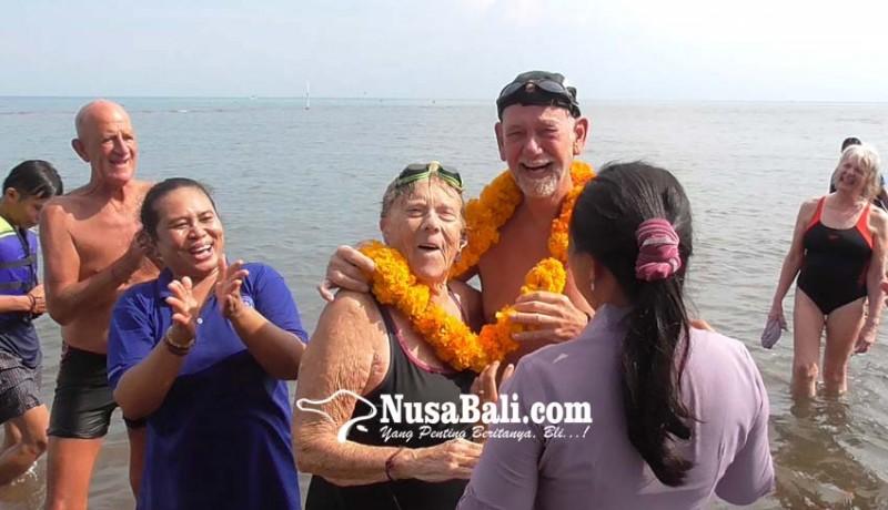 www.nusabali.com-nenek-sepuh-dari-belanda-kembali-arungi-laut-lovina