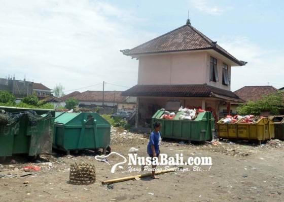 Nusabali.com - eks-pasar-loak-jadi-tempat-pembuangan-sampah