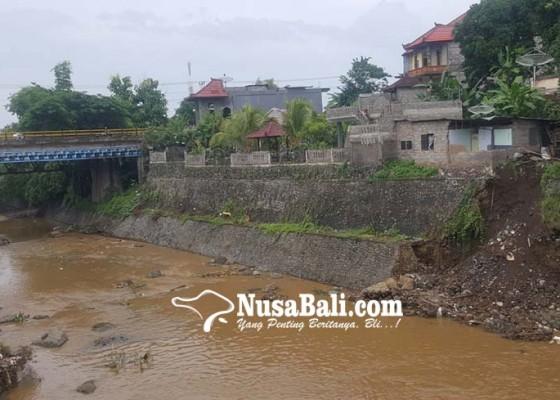 Nusabali.com - senderan-tukad-buleleng-jebol