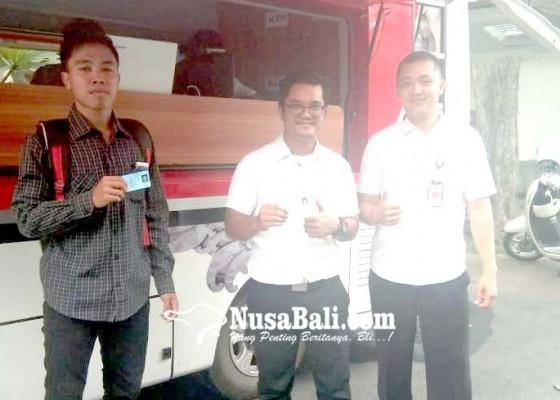 Nusabali.com - si-melik-perekaman-e-ktp-di-kampus