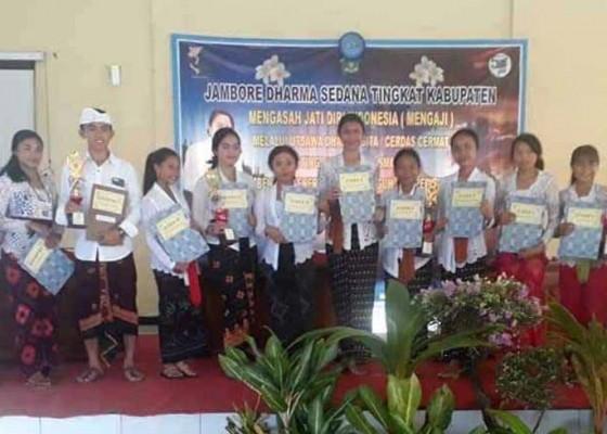 Nusabali.com - siswa-dari-kecamatan-abang-borong-gelar-juara-udg