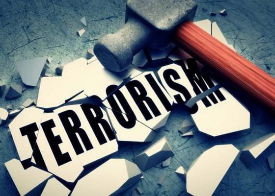 Nusabali.com - teroris-abu-hamzah-tanam-4-bom-ranjau-di-halaman-rumahnya