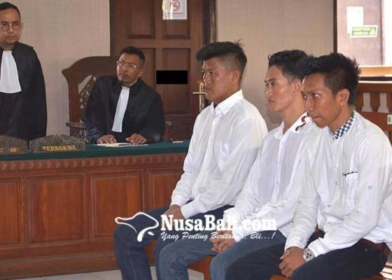 Nusabali.com - kasus-senpi-dua-terpidana-narkoba-dituntut-25-tahun