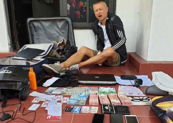 Nusabali.com - bule-bulgaria-pembobol-atm-ditangkap