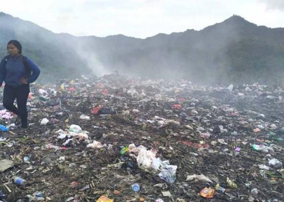 Nusabali.com - sampah-di-eks-tpa-sente-menumpuk