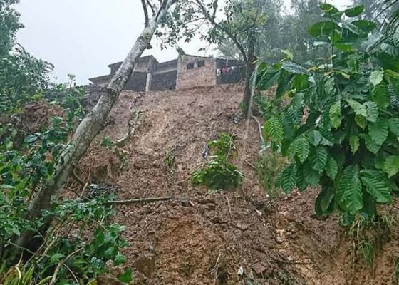 Nusabali.com - 2-pekan-27-longsor-di-trenggalek