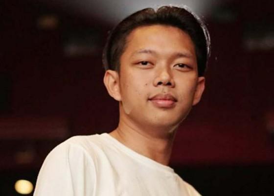 Nusabali.com - bayu-skak-dikejar-kejar-petugas-pajak