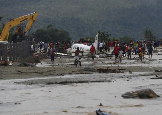 Nusabali.com - korban-tewas-banjir-di-sentani-tembus-80-orang