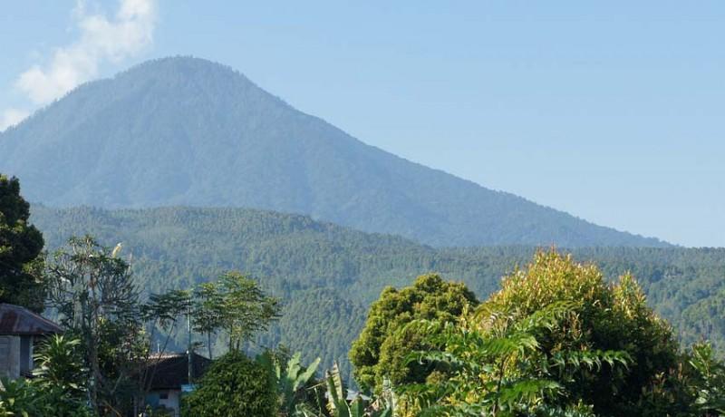 www.nusabali.com-gunung-agung-erupsi-tidak-pengaruhi-pariwisata