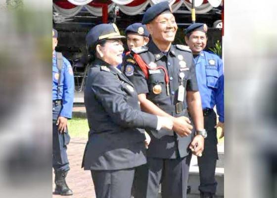 Nusabali.com - bupati-mas-sumatri-pimpin-hut-damkar