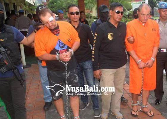 Nusabali.com - diduga-perampas-senjata-anggota-brimob