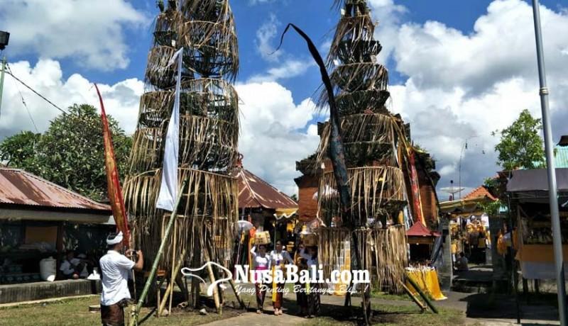 www.nusabali.com-setelah-18-tahun-ida-sasuhunan-melancaran-ke-pura-desa-bale-agung-buleleng