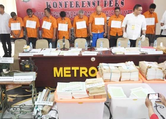 Nusabali.com - polisi-bekuk-penjual-materai-palsu-online