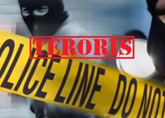 Nusabali.com - terduga-teroris-wanita-diduga-bunuh-diri