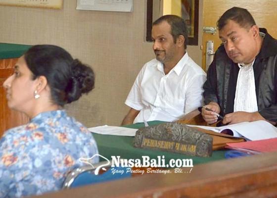 Nusabali.com - sidang-kdrt-eks-pasutri-perang-di-sidang