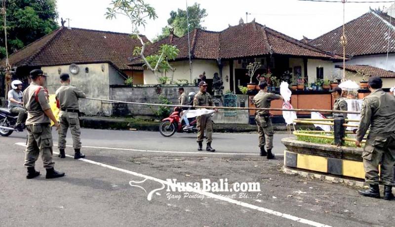 www.nusabali.com-bawaslu-kpu-dan-satpol-pp-berangus-apk-parpol-di-tabanan