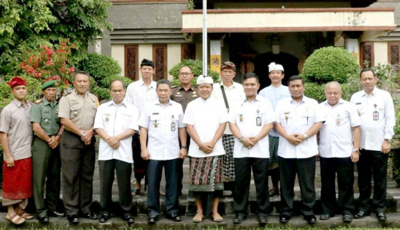 www.nusabali.com-wabup-sedana-arta-terima-kunjungan-tim-kajida-setjen-wantanas