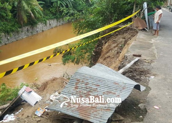 Nusabali.com - tebing-sungai-buleleng-di-kali-baru-jebol