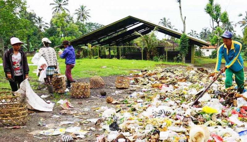 www.nusabali.com-petani-tak-lagi-tertarik-komposkan-sampah-upakara