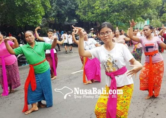 Nusabali.com - 7400-penari-rejang-renteng-bersiap-di-hut-kota-singaraja