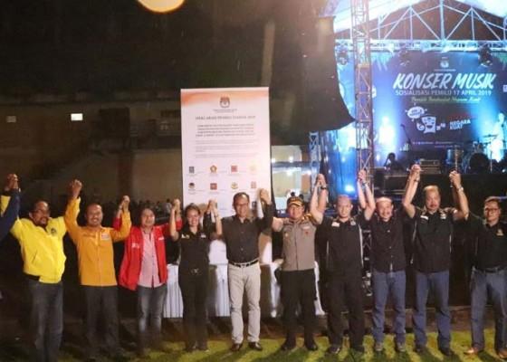 Nusabali.com - kpu-badung-sosialisasi-pemilu-melalui-konser-musik
