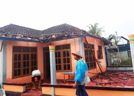 Nusabali.com - 117-rumah-krama-bali-kena-puting-beliung