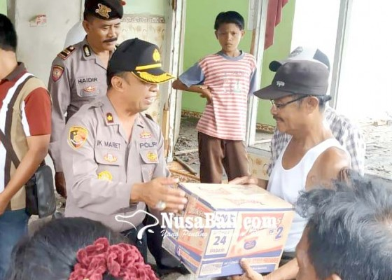 Nusabali.com - polsek-negara-membantu-sembako-yonif-mekanis-gn-kerahkan-anggota