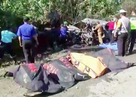 Nusabali.com - lima-pegawai-bank-tewas-terpanggang